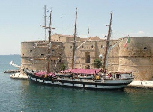 Taranto, torna il Palinuro