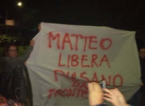 Taranto, il Pd si fa in due: renziani a congresso, l'area Emiliano in federazione
