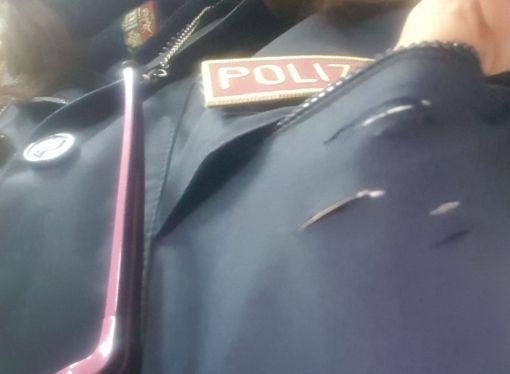 Taranto, accoltellata poliziotta. Salvata dal telefonino