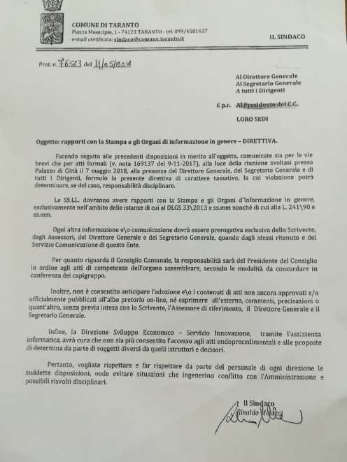 le regole del sindaco di Taranto in termine di rapporti con i giornalisti