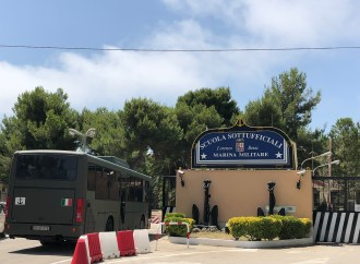 700 allievi marinai in meno, Taranto presa a schiaffi dalla Difesa