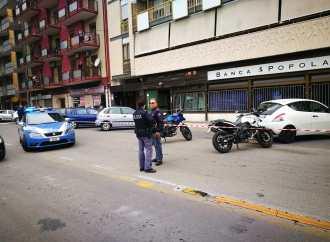 Taranto, spari in via Battisti. Ferito un uomo