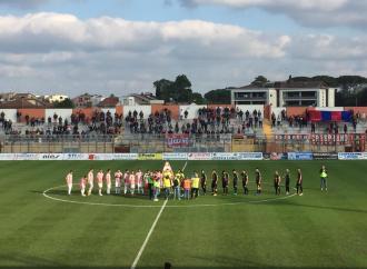 Il Taranto si perde nel finale