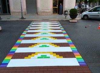 Taranto, strisce pedonali artistiche