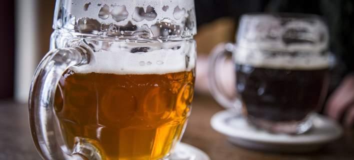 Σκέφτηκε ένα πρωτότυπο κόλπο να πίνει τζάμπα μπύρες - Μέχρι στιγμής έχει πιει 85