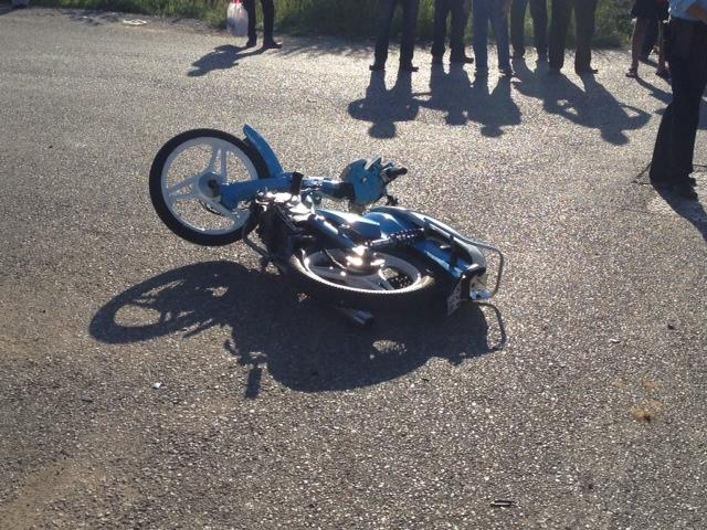 Γυναίκα παρασύρθηκε από μηχανάκι στη Λάρισα