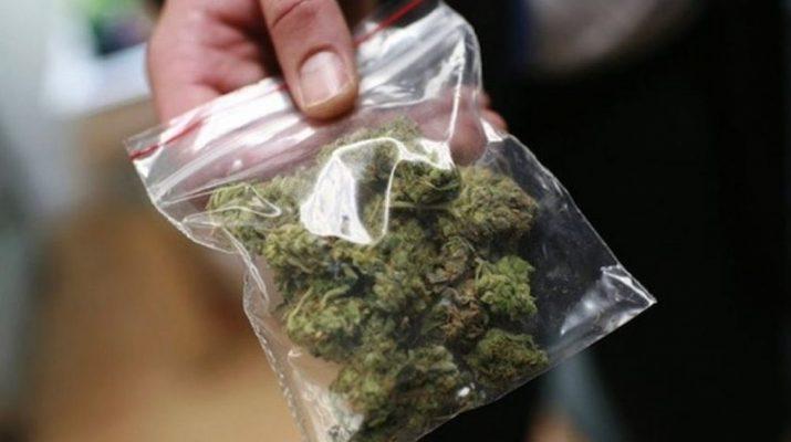 «Βραχιόλια» σε νεαρό Λαρισαίο για ναρκωτικά