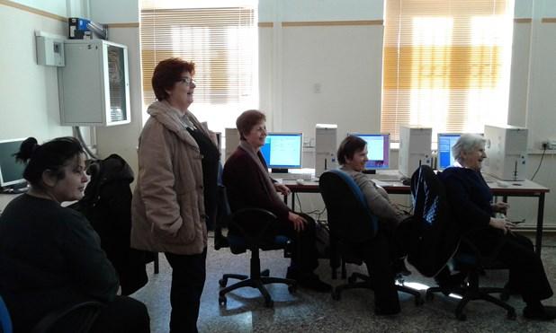 Συνεχίζεται το πρόγραμμα εκμάθησης υπολογιστών στην Τρίτη Ηλικία