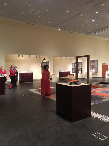 Παράσταση κλασικού αρχαίου Ελληνικού χορού στο Διαχρονικό Μουσείο