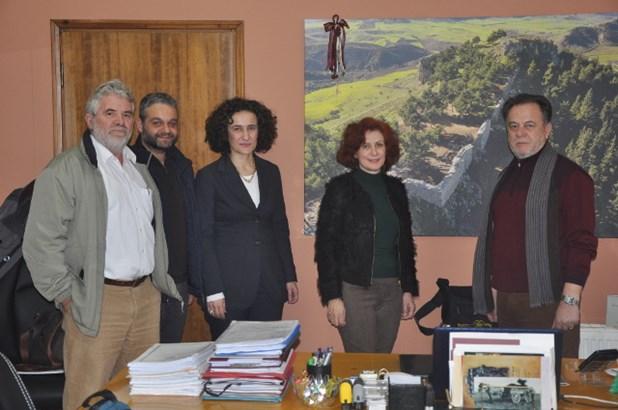 Ο Δήμος Φαρσάλων παραχωρεί οικόπεδο για τις στεγαστικές ανάγκες των Ρομά
