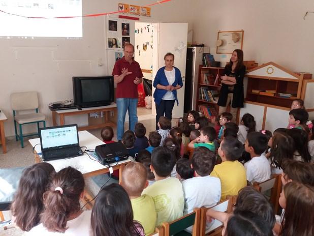 Οι Ενεργοί Πολίτες ενημερώνουν σχολεία για τον εθελοντισμό και την ανακύκλωση