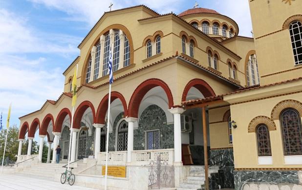 Βαρύ το πένθος στη Λάρισα για τον Ιγνάτιο - Πίσω από τον Αγιο Αχίλλιο η ταφή του