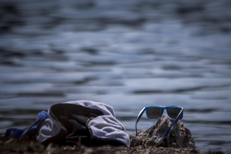 Παρατήρησαν κάτι περίεργο να κολυμπά στη θάλασσα – Αυτό που έζησαν θα το θυμούνται για πάντα!