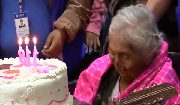 Η γηραιότερη γυναίκα του κόσμου έκλεισε τα 118 και το γιόρτασε