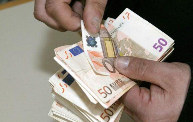 Ποιοι επιχειρηματίες και ελεύθεροι επαγγελματίες θα πληρώσουν τέλος επιτηδεύματος έως 650 ευρώ