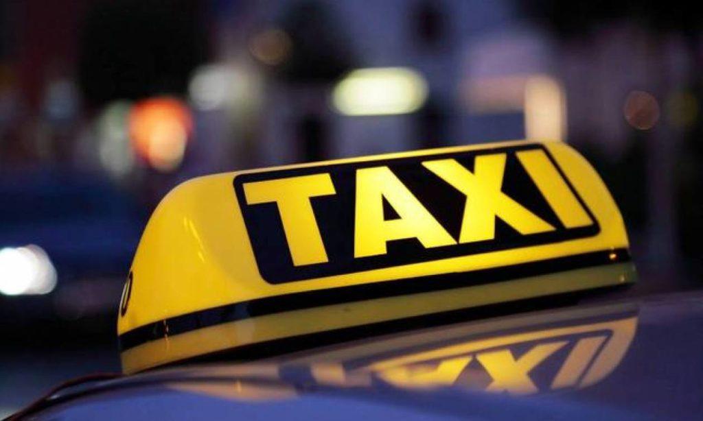 Σοκάρει η περιγραφή του ταξιτζή: Ο ένας έβγαλε τσεκούρι και ο άλλος με έσφιξε στον λαιμό με τη ζώνη