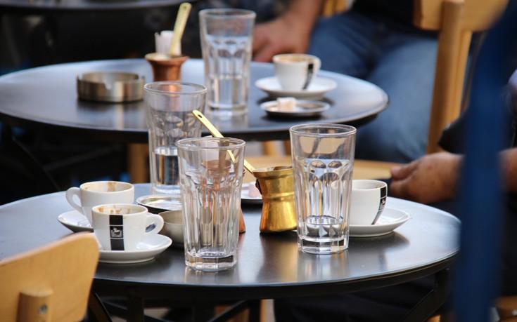 Τι οφέλη έχει ο καφές και πώς να τον κάνετε ακόμα πιο υγιεινό