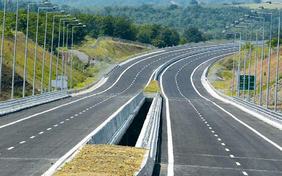 Χάνεται 1,5 δισ. ετησίως λόγω καθυστερήσεων σε έργα υποδομής