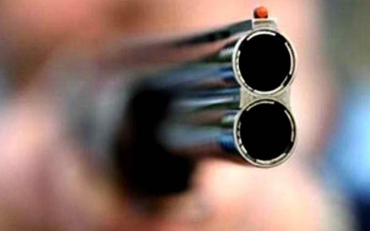 Πυροβόλησε και τραυμάτισε διαρρήκτη μέσα στο σπίτι του