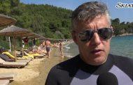 Μετά το τατουάζ, ο Κώστας Αγοραστός κάνει θαλάσσιο σκι στη Σκιάθο και εντυπωσιάζει τα πλήθη - ΒΙΝΤΕΟ