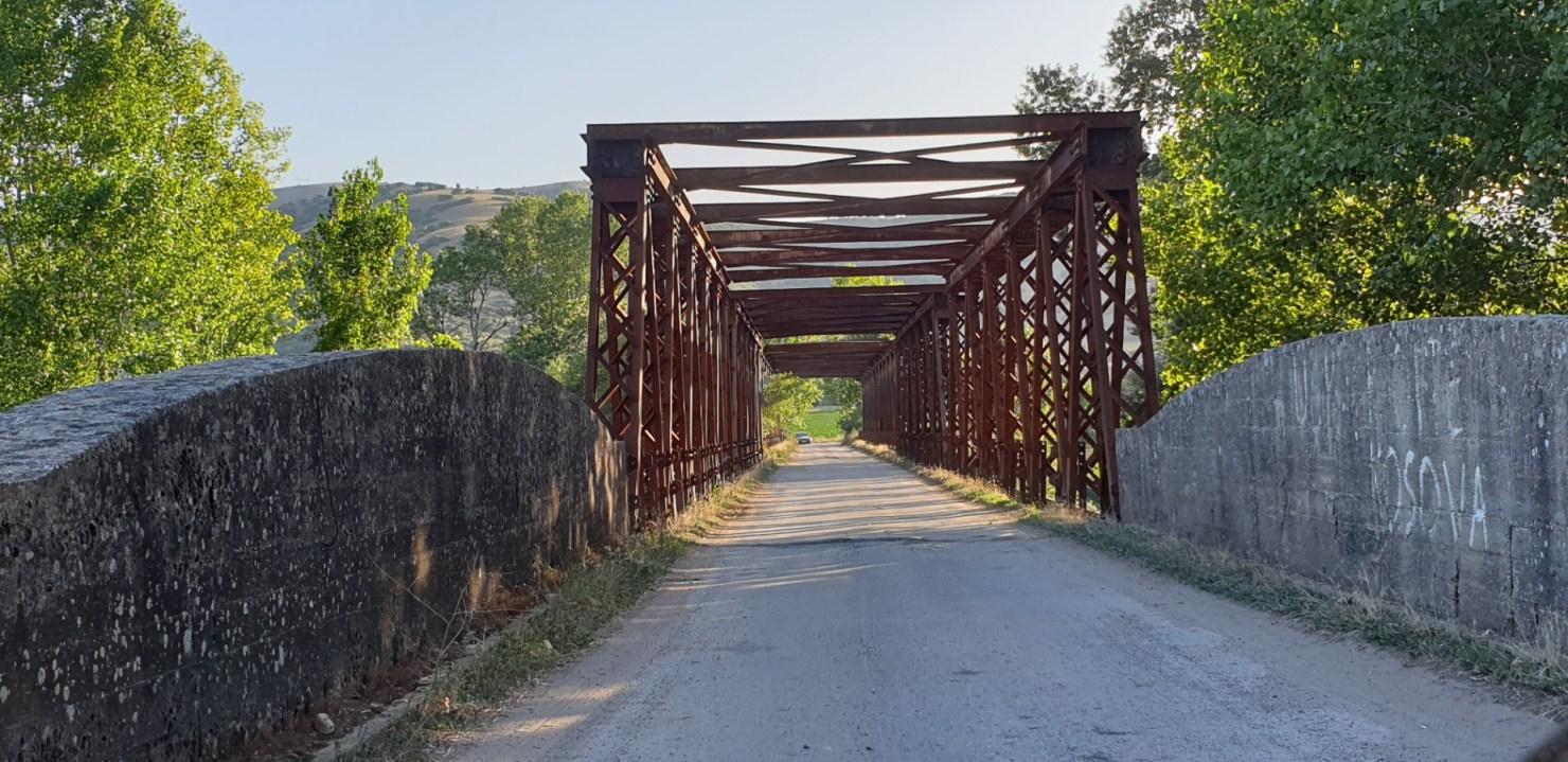 Κι όμως αυτή η γέφυρα ένωνε Λάρισα- Τρίκαλα μέχρι πριν λίγα χρόνια (φώτο)
