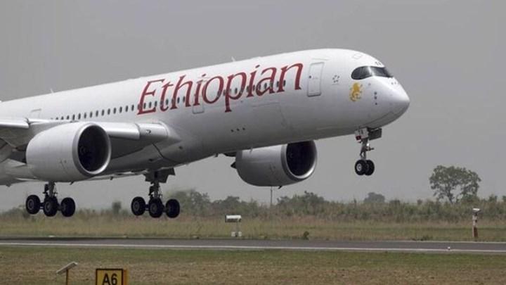 Τρόμος στον αέρα - Αναγκαστική προσγείωση αεροσκάφους λόγω φωτιάς σε κινητήρα