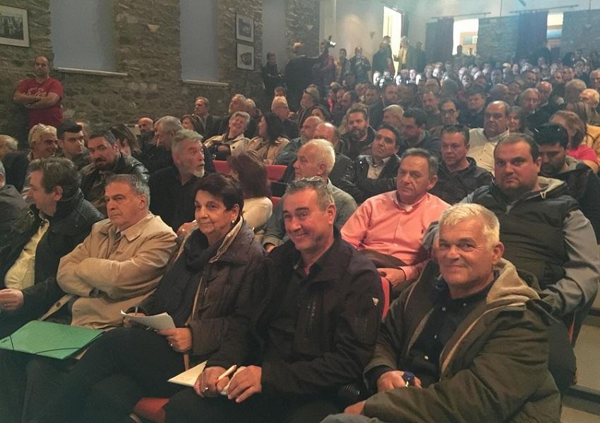 Φορτισμένο κλίμα στην ανοιχτή συνεδρίαση του δημ. συμβουλίου Αγιας για το προσφυγικό - BINTEO