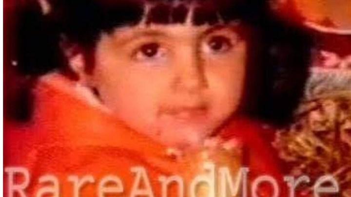 Μπορείτε να αναγνωρίσετε το κοριτσάκι της φωτογραφίας; - Πρόκειται για πασίγνωστη τραγουδίστρια - ΦΩΤΟ