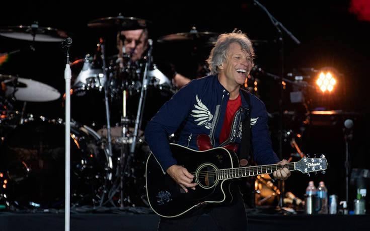 Ο Jon Bon Jovi έχει προσφέρει πάνω από 100.000 δωρεάν γεύματα σε ανθρώπους που έχουν ανάγκη