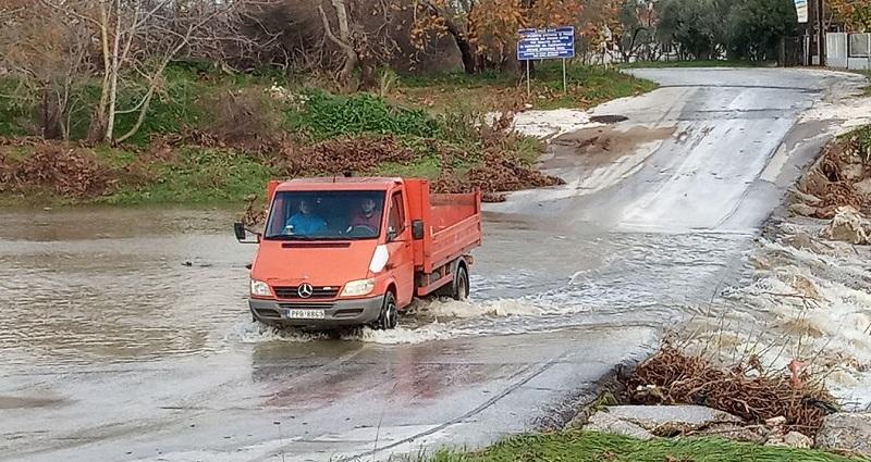Βομβαρδισμένο τοπίο σήμερα στα παράλια του δήμου Αγιάς -μεγάλες καταστροφές (ΦΩΤΟ)