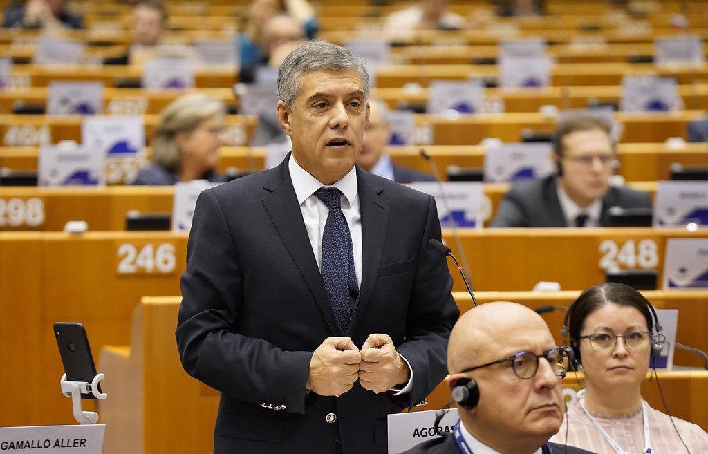 Τη «σωτήρια λύση του 2015» επαναφέρει στην Ευρώπη ο Αγοραστός