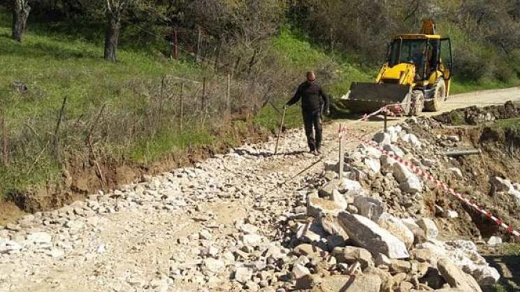 Επιδιορθώνονται ζημιές στη Σπηλιά