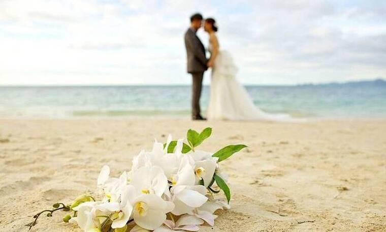 Γάμος: Γιατί φοράμε βέρα στο δεξί και όχι στο αριστερό