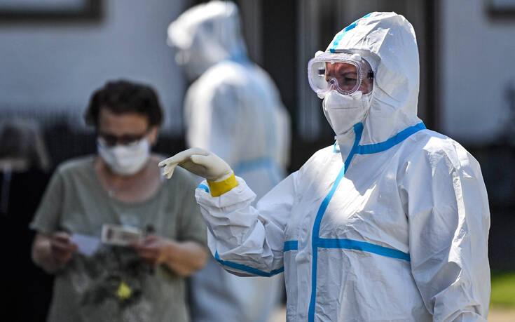 Πλησιάζουν τους 480.000 οι θάνατοι σε όλο τον κόσμο από κορονοϊό