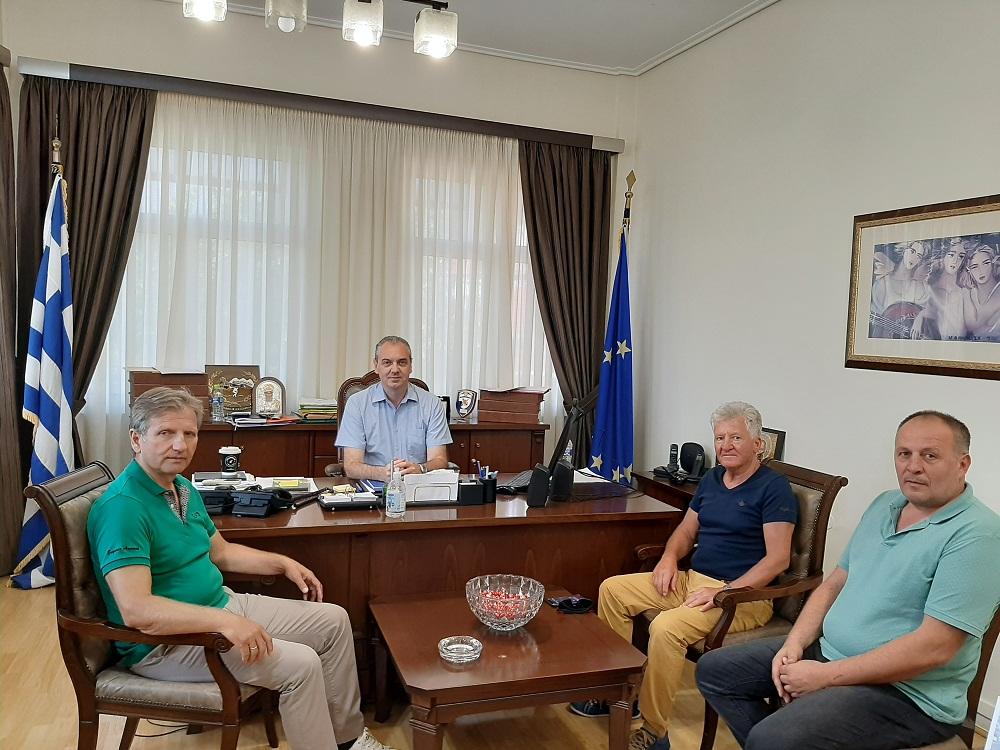 Στον Δήμαρχο Ελασσόνας ο πρόεδρος και ο αντιπρόεδρος της ΠΟΕ-ΔΕΥΑ