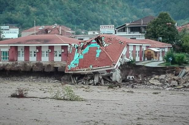 Αγοραστός: Φταίνε εκείνοι που έδωσαν άδειες σε πλημμυρικές περιοχές
