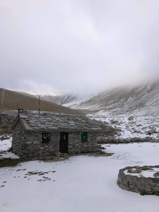 Χιόνισε στον Όλυμπο – Στα άσπρα το «Χρηστάκη»
