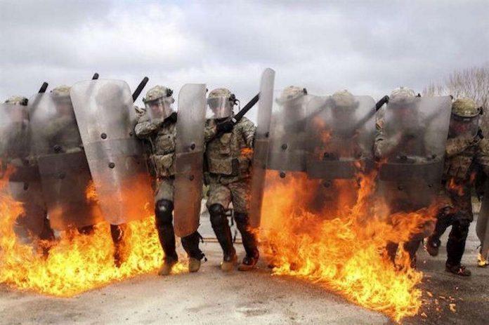 """""""Ό,τι χρειάζεται βία για να διατηρηθεί, είναι καταδικασμένο"""" -( (Henry Miller)"""