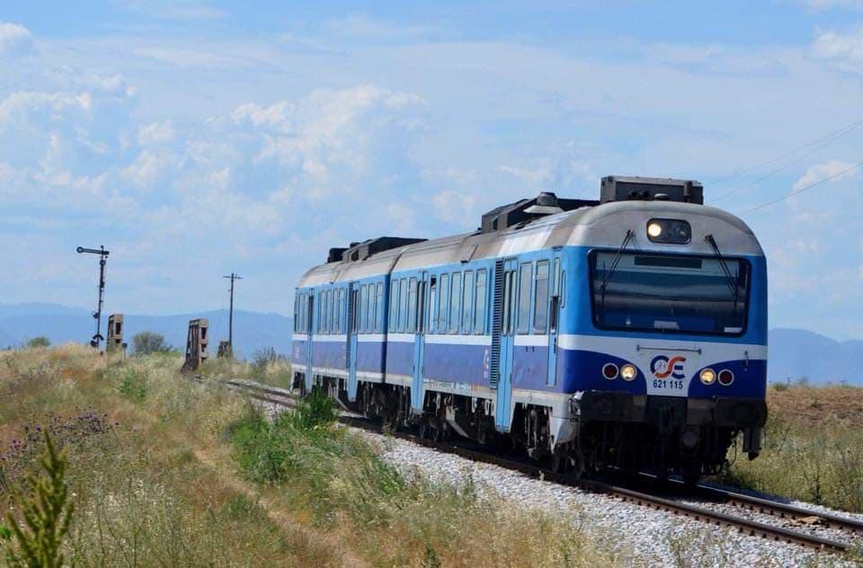 Απόπειρα αυτοκτονίας στις γραμμές του ΟΣΕ στο τρένο από Βόλο προς Λάρισα – Ξάπλωσε και φώναζε «πατήστε με»