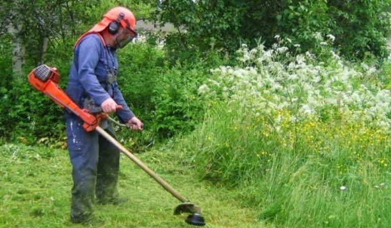Δήμος Τυρνάβου: Καθαρισμός οικοπέδων που βρίσκονται εντός οικισμών από τα ξηρά χόρτα και άλλα εύφλεκτα υλικά
