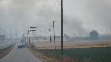 Λάρισα: Φωτιά στην οδό Καρδίτσης (φωτο-βίντεο)
