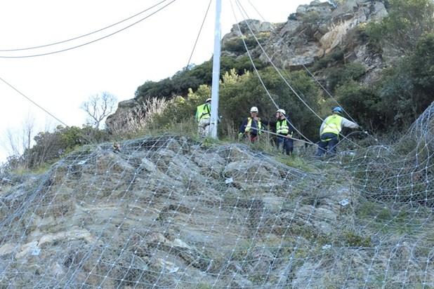 Φράχτης προστασίας από βραχοπτώσεις στο δρόμο Λάρισας- Σπηλιάς