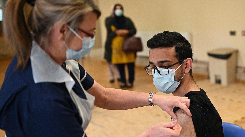 Εμβολιασμός: Τι λένε Λαρισαίοι ηλικίας 18 έως 25 ετών για την προπληρωμένη κάρτα των 150 ευρώ