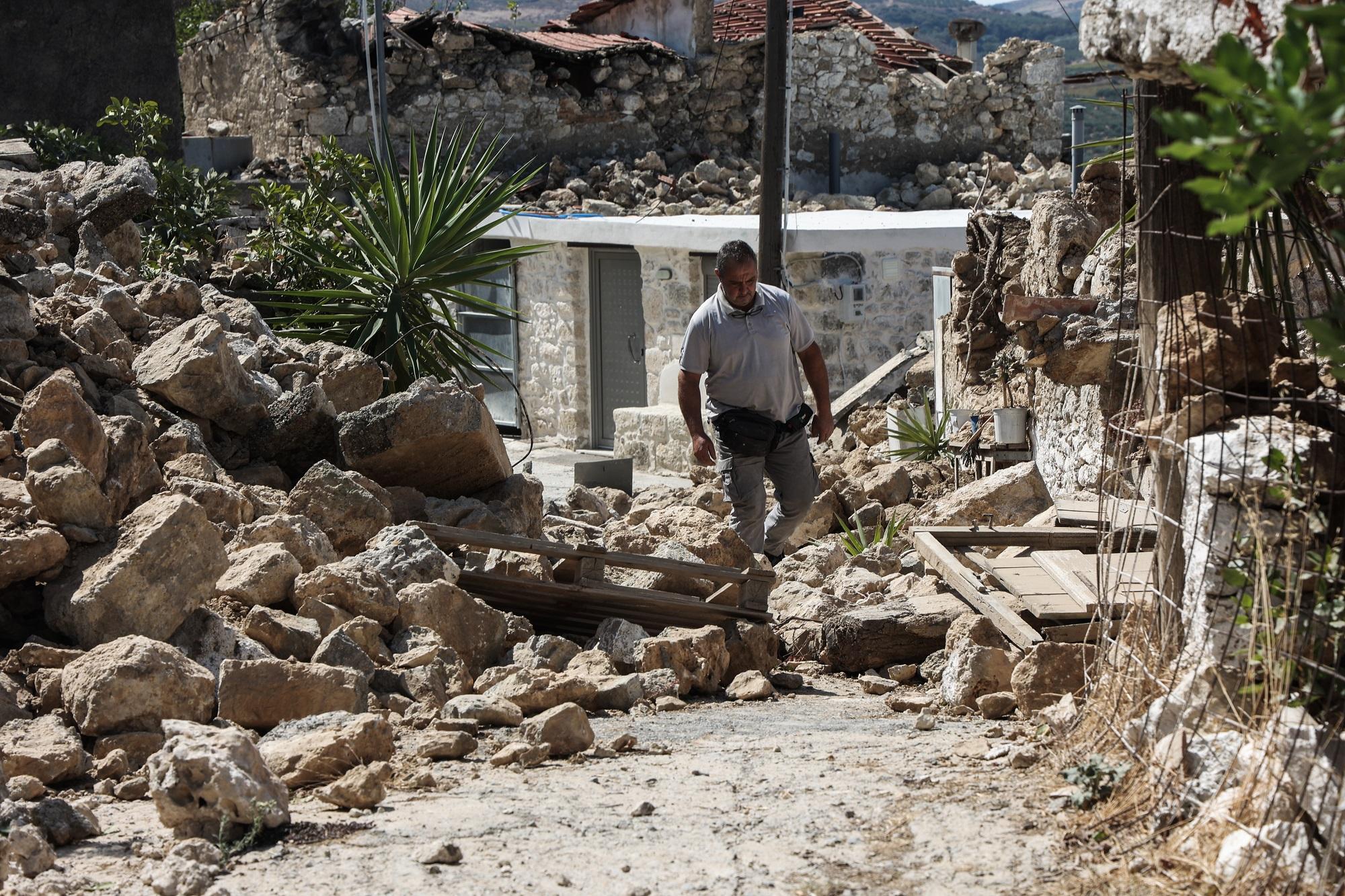 Σεισμός στην Κρήτη: Ανήσυχοι οι κάτοικοι για τους μετασεισμούς – Τα μέτρα στήριξης για τους σεισμόπληκτους
