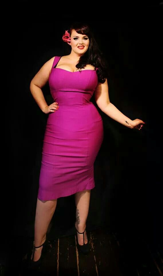 5 hot pink dresses for plus size girls that you will love