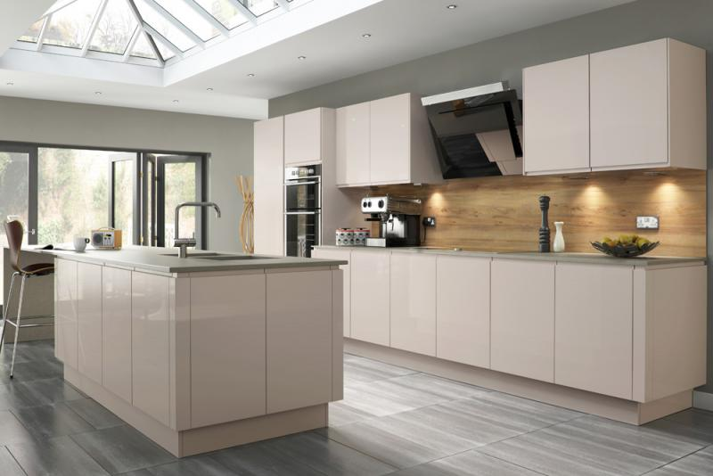 Welford Handleless Kitchen in Savanna  Lark  Larks