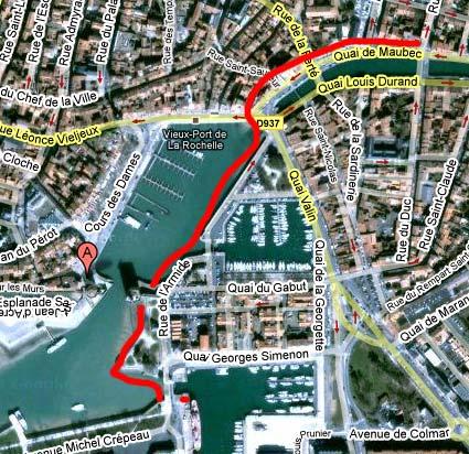 Promenade Vers Le Vieux Port