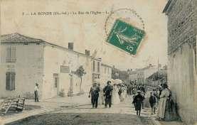 La-Ronde-5-rue-eglise-carte-postale-1909