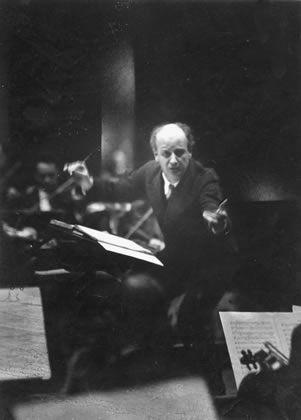 """The great obstacle to human reason has been the popular delusion of belief in 'sense-certainty,' "" LaRouche writes. As the great conductor Wilhelm Furtwängler warned, ""music requires its performance 'between the notes.' "" Shown: Furtwängler, conducting, in the 1930s."