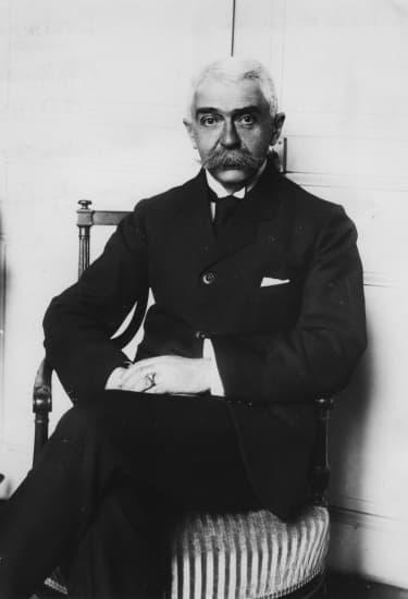 Encyclopdie Larousse en ligne  Pierre de Coubertin